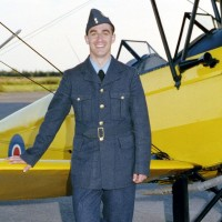 Crowe-with-Tiger-Moth
